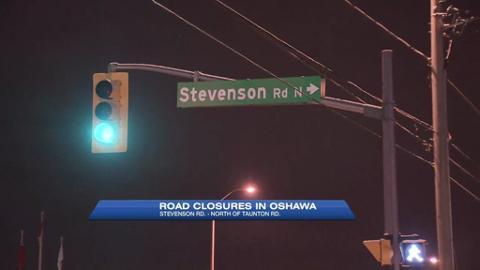Single-vehicle crash closes Oshawa roads